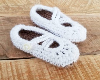 Crochet Shoes, Mary Jane Baby Shoes, Baby Girl Shoes, White Mary Janes