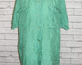 Size 16 vintage 80s loose fit short sleeve shirt apple green pure silk (HY32)