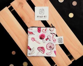Cotton purse white mushrooms