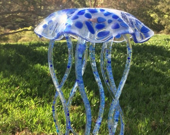 JELLYFISH WINDCHIME GLASS, jelly fish, blue, pebble, rock, clear, spots, dots, wind chime