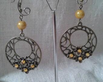 beautiful yellow flower earrings