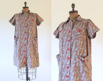 Vintage 1950s brown paisley house dress with huge pockets   vintage lounge dress   house coat   robe or casual dress   one size S M L