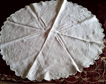 Very Pretty Vintage Linen Doily~White on White~Large Round Size~Scalloped Edges