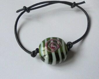 Bracelet sliding glass
