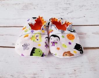 Halloween Baby Booties, Fall Baby Booties,  Halloween Baby Shoes,  Fall Baby Shoes, Baby crib shoes, Baby Moccs, baby shoes, baby booties