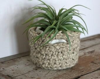 Chunky crochet mini basket / wool basket with handles / modern rustic storage / office storage / home decor basket / catch all basket