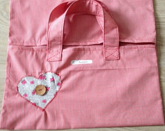 Heart embroidered pie bag