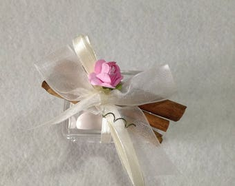 Set 10 cases of plexiglas placeholder for birth and marriage communion confirmation with rose and cinnamon sticks