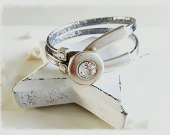 Bracelet leather and Swarosvki half ring.
