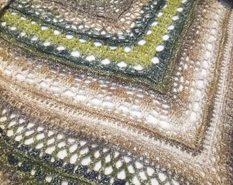 Crochet Edlothia shawl / wrap