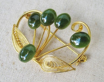 Jade Green Brooch, Vintage Brooch, Filigree Brooch, Gold Tone, Faux Jade, Green Cabochon, Leaf Pin, Woodland Wedding, Gift For Her, Floral