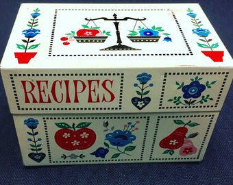 Vintage Tin Recipe Box - Made By Syndicate - 1960s - Perfect For All Types of Storage