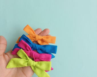 Bright collection Hand-tied Set of 4 | Scoolgirl bow, Baby Headband, Baby Girl Bows, Alligator Clip, Hair Clip, Hair Bow, Toddler Bows, New