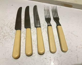 Vintage Uscco 3 Knives and 2 Forks
