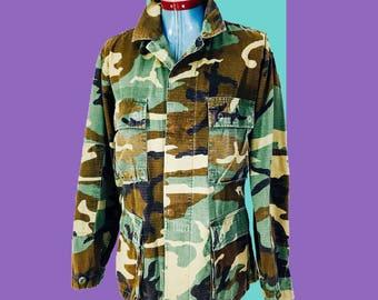 Vintage Woodland Camo US Army Jacket Shirt Small Short Military Camouflage Boho Surplus Uniform Long Sleeve