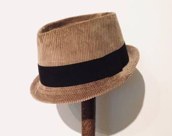 57cm Corduroy Trilby in Olive