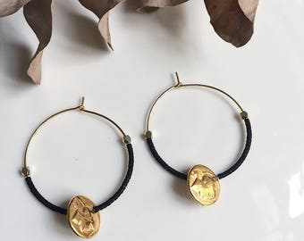 Créoles Louise avec perles et pièce dorée
