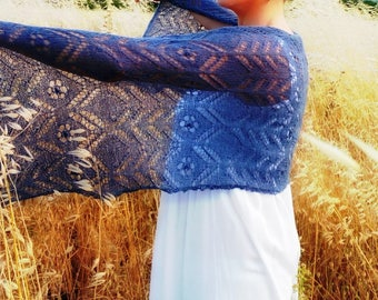 Neck warmer scarf in blue Lace scarf-hand made