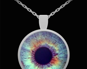 Blue eye pendant necklace