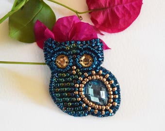 Blue Owl Bead Brooch
