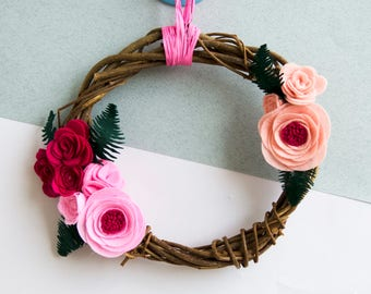 Natural wreath with felt flowers