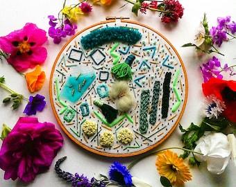 modern embroidery hoop// wall art// handmade contemporary home decor // abstract textile art