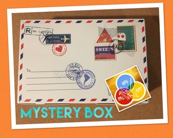 Mystery Box, Anime fanart from Naruto, Mystic Messenger, Tokyo Ghoul etc.; keychains, coin purses, prints, Harajuku Decora accessories etc.