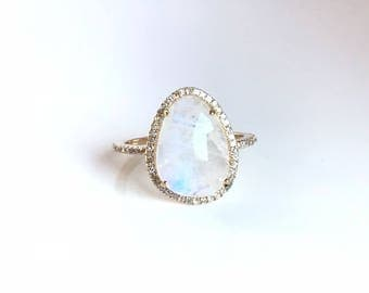 14k gold diamond rainbow moonstone ring