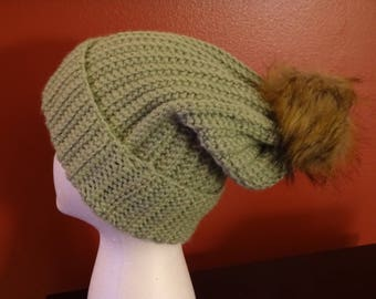 Adult ribbed slouchy hat with faux fur pom pom