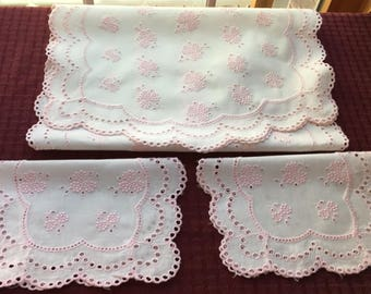 Vintage Hand Crafted Linen Pink Eyelet Table Runner Doily Set of 3