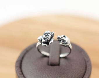 Sterling silver Rose and Skull ring, Gothic style ring, Skull Ring