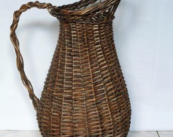 Old Wicker umbrella / pitcher willow / wicker basket / Home & living / home decor / baskets and bowls.