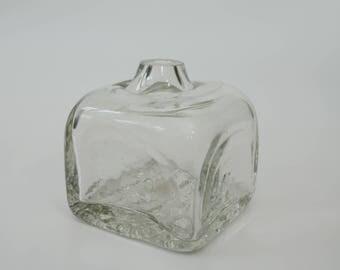 Art glass sculpture vase by Pauline Solven, signed