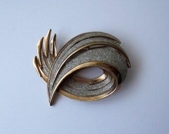 Vintage Large Swirl Three Dimensional Brooch Stamped KR