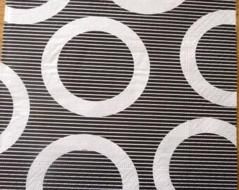 Geometric paper towel