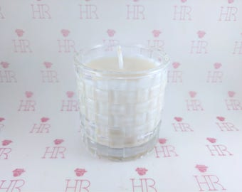 Marc Jacobs Daisy Candle in a Clear Patterned Glass