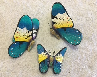 Butterflies / butterfly wall art/ ceramic butterfly / mariposas / hand painted butterflies / butterfly wall decor/ mariposas de cerámica/ 3d
