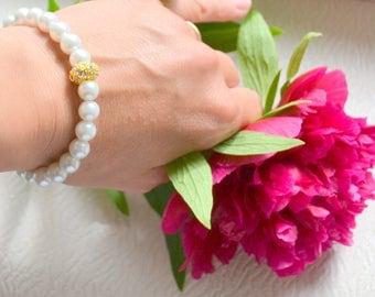 Bridal proposal bracelet gold pearl bracelet bridal bracelet Bridesmaid bracelet Bridal wedding jewelry Bridesmaid gift White pearl bracelet