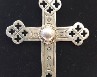Brilliant Decorative Sterling Silver Vintage Cross Pendant