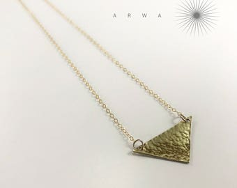 Arwa triangle hammered minimalist pendant in 14k Gold Filled or 925 Sterling Silver • 2.7cm P128