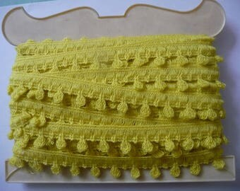5 m stripe vintage trimmings, bright yellow color