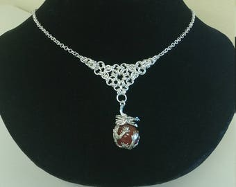 Chainmail necklace with dragon pendant