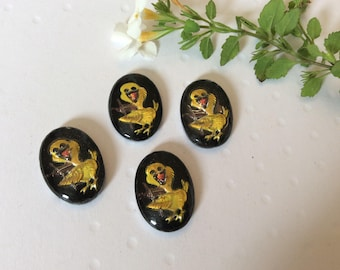 Vintage Intaglios Depicting a Chick approx 18x13mm Pack of 4