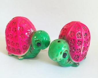 Vintage Pair of Psychedelic Tortoise Salt and Pepper Shakers - Kitsch - Pink - Green - Turtles