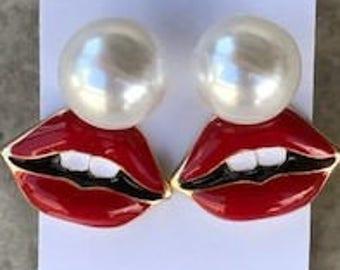 Two earrings in one. Pierced Earrings, Lip earrings, pearl and lip earring, Wear pearl with lips, Wear pearl alone. Lips