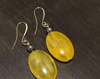 Yellow bead dangle earrings