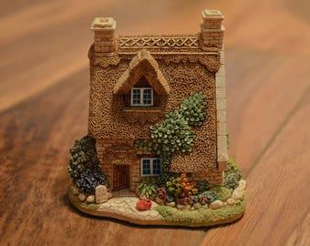 Lilliput Lane Collectible-Milestone Cottage