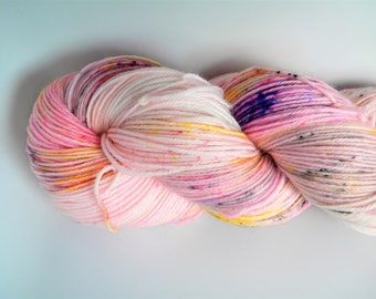 Dancing Bees 4 ply sock yarn