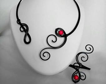 Necklace / bracelet in aluminum wire black and Red bead