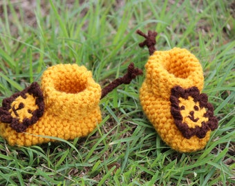 Knitted Lion Booties (Size newborn - 6 months)
